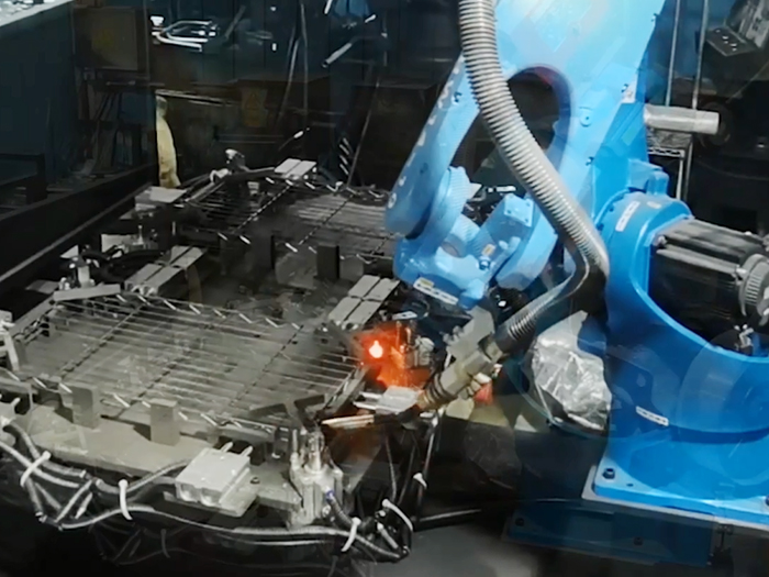 Auto-Matic Robot Co2 Welding Machine